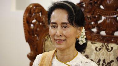 An estimated 400,000 Rohingya Muslims have fled Myanmar.