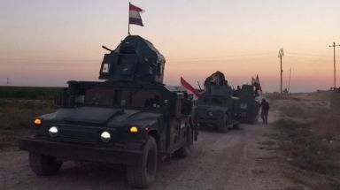 Iraqi federal forces headed towards the land surrounding Kirkuk in the early hours of Monday.
