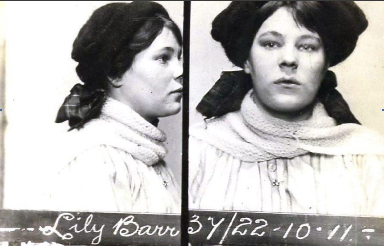 Lilly Barr.