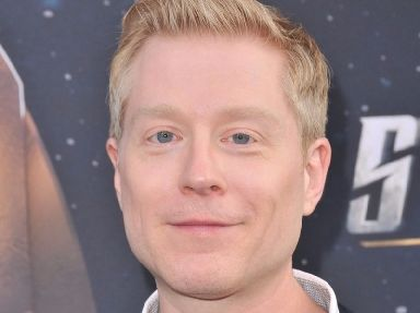 Anthony Rapp claims when he was 14, a 26-year-old Spacey tried to seduce him