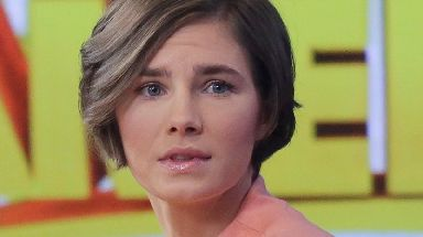 Amanda Knox has written an article about Meredith Kercher ten years after her death.