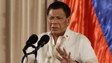 Philippines leader Rodrigo Duterte has offered to shoot criminals himself.