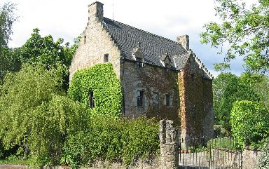 The home gave shelter to kings of Scotland.