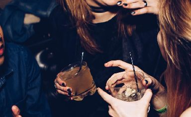 Alcohol: Why has it become so popular to give it up?