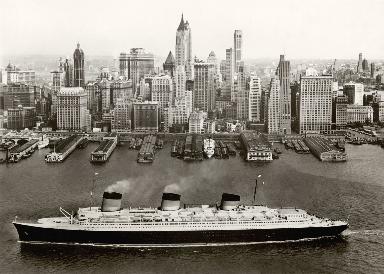 Luxury ships: Normandie in New York.