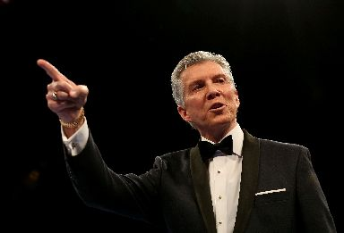 Michael Buffer: Will announce the teams at Hampden.