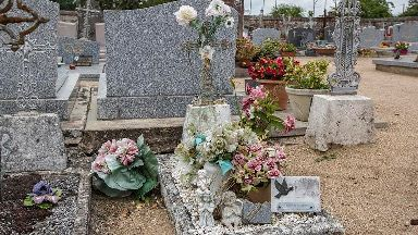 French murder grave