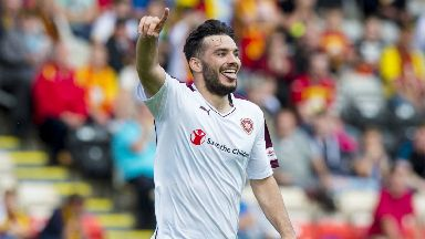 Tony Watt is returning to Scottish football with St Johnstone.