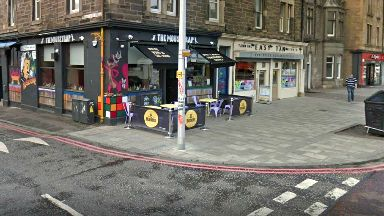 Pub: Incident at The Mousetrap in Edinburgh.