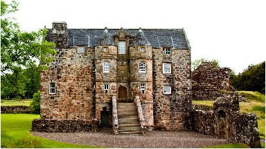 Rowallan Castle: Ancient building steeped in history.