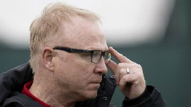 Content: McLeish spoke to Griffiths.