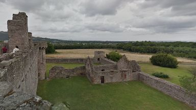 The incident took place in the grounds of Craigmillar Castle.