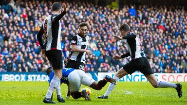 Defoe was adjudged to have been fouled.