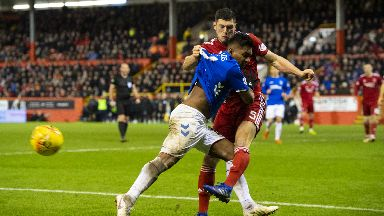 Battle: Morelos and McKenna tangle.