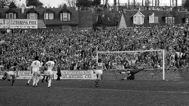 A huge crowd watched Clydebank v Rangers at Kilbowie in 1987.