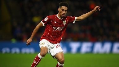Zak Vyner has moved north from Bristol City.