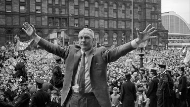 Bill Shankly: A memorial of him is to be reinstated.