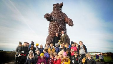 Sculpture: Dunbar Primary School children welcomed the bear