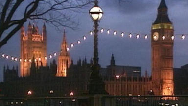 Gordon Brown survives dissolution vote