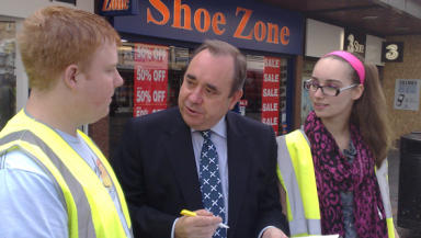 First Minister in Kilmarnock in campaign to save Diageo jobs