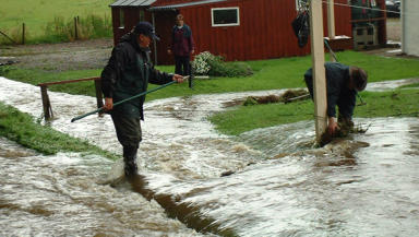Clean up continues after Highlands hit by flash floods
