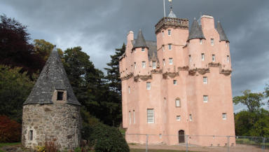 Walt Disney-inspiring castle returned to 'fairytale' pink