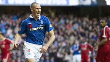 Kenny Miller looks to have played his last game for Rangers and flew to Turkey on Wednesday to complete a move.