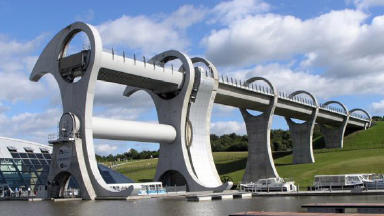 Falkirk Wheel: The rotating boat lift will be serviced.