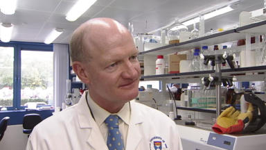 Visit: Science minister David Willetts took the tour of Dundee University on Monday.