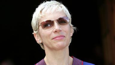 Annie Lennox getting honorary degree close