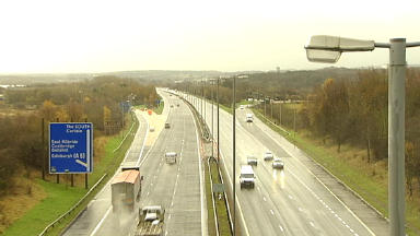 Raith interchange: Contraflow switching to southbound carriageway this weekend.