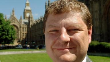 Angus Robertson: Calls for a change in public sector pension plans.