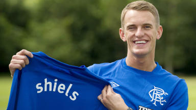 Dean Shiels signs for Rangers.
