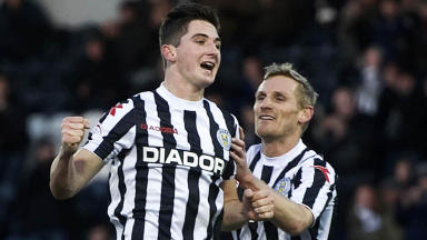 St Mirren ace Kenny McLean (left) celebrates his goal.