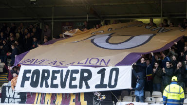 Motherwell fans pay tribute to club legend Phil O'Donnell who tragically died at Fir Park five years ago to the day