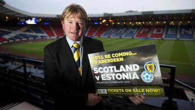 Motherwell manager Stuart McCall is joining the Scotland backroom staff as Gordon Strachan's assistant coach.