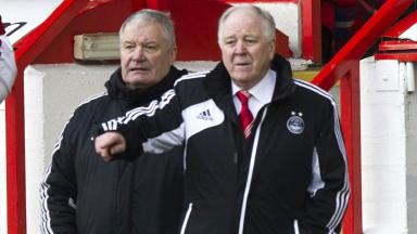 Craig Brown watches as Aberdeen drew 0-0 with Hibernian.
