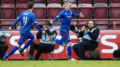Gary Warren scores for Inverness against Hearts.