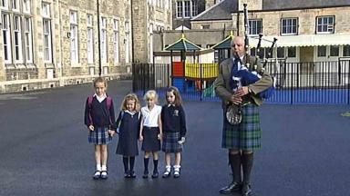 Gaelic school Edinburgh Bun-sgoil Taobh na Páirce, first day.