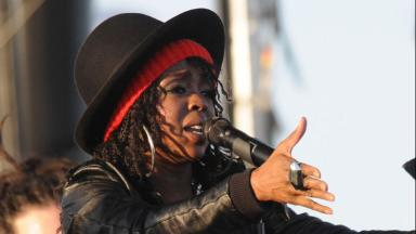 Lauryn Hill debuts new song on eve of prison release