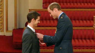 Andy murray receives OBE medal, October 2013