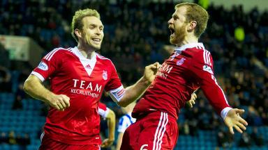 Mark Reynolds scores for Aberdeen against Kilmarnock.