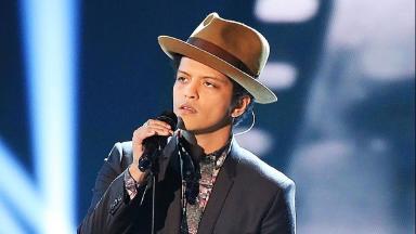Bruno Mars rocks the Super Bowl
