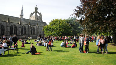 Aberdeen University: Strike vote to be held over jobs.