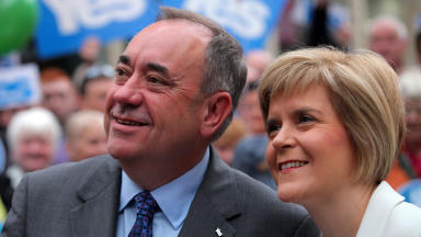 First Minister Alex Salmond and Deputy Leader Nicola Sturgeon in Glasgow city centre September 4 2014 quality indyref