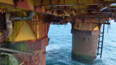 North Sea: Oil price hits 12-year low.