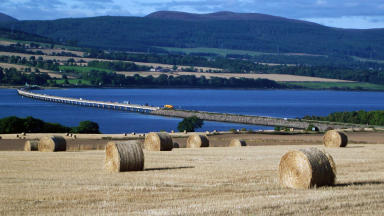 Cromarty Bridge over the Cromarty Firth in Highlands. Creative Commons from Flickr. Uploaded May 25 2015.