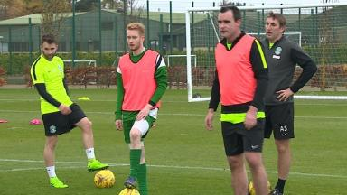 STV's Paul Barnes takes part in Hibernian training