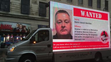 Crimestoppers most wanted van on Glasgow's Argyle Street as part of campaign. Image from STV's Danny Livingston