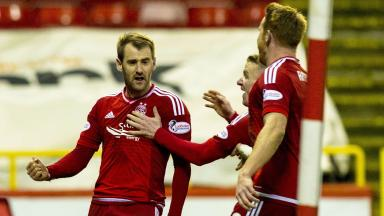 Aberdeen's Niall McGinn celebrates his goal